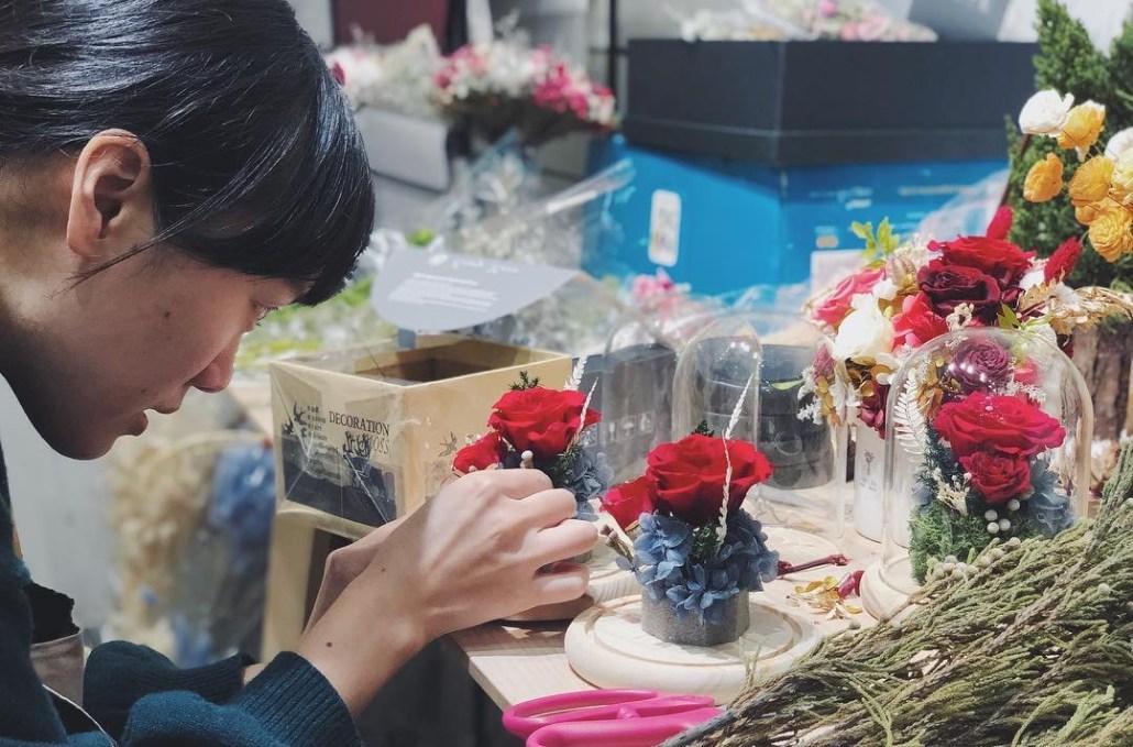永生花課程啊悳特寫,紅色永生玫瑰花,喜歡生活乾燥花店