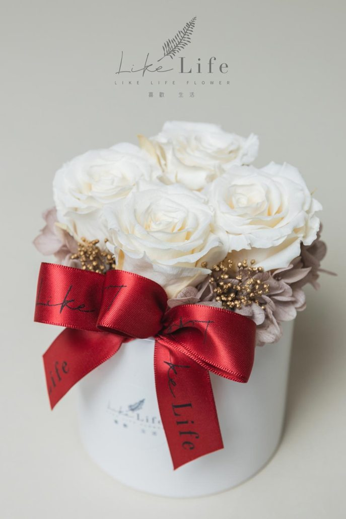 情人節永生玫瑰花盆栽特寫粉米白色,白玫瑰,情人節白色玫瑰花,情人節花束