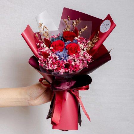 永生花束紅色台北,情人節花束,紅色永生花束,中型永生花束封面,永生花紅色,台北喜歡生活乾燥花店