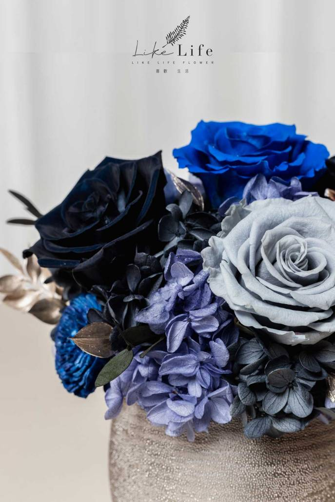 開幕盆栽永生花藍色特寫照銀盆盆栽,永生花黑藍色開幕盆栽