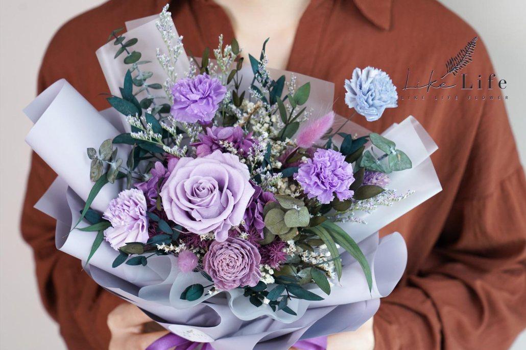 康乃馨花束-紫色永生花康乃馨花束特寫,母親節康乃馨花束台北