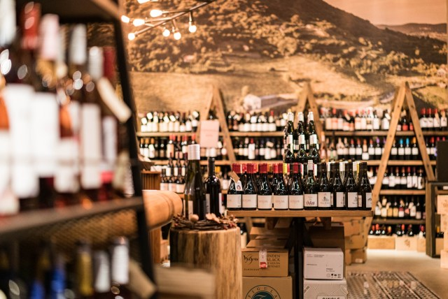 wine bar in budapest's 7th district