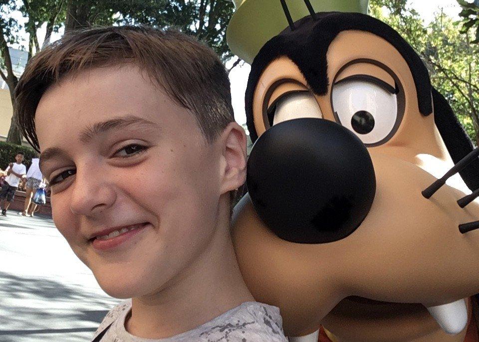 Disney Selfie with Goofy