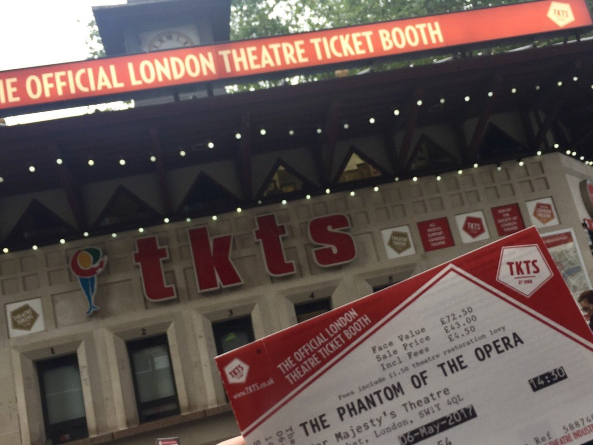 TKTS ticket booth Leicester Square London cheap theatre tickets on day