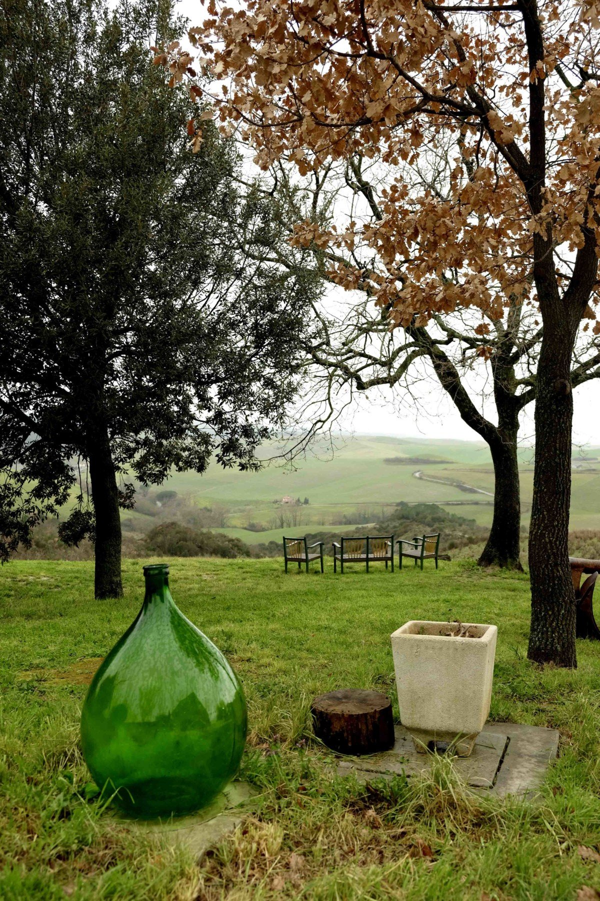 view at Country Relais & Spa Le Capanne Volterra Tuscan kitchen