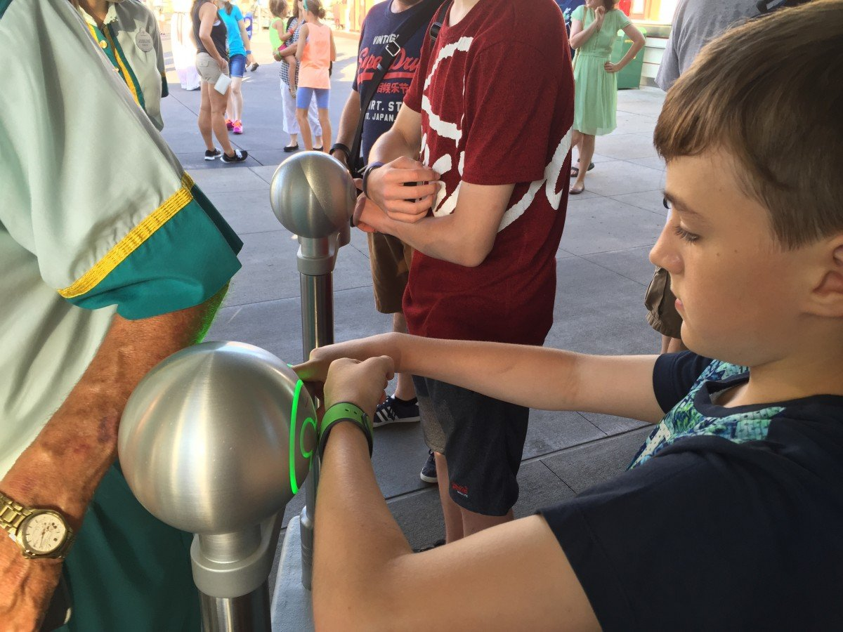 Disney Must not miss tips for first timers fast pass magic bands