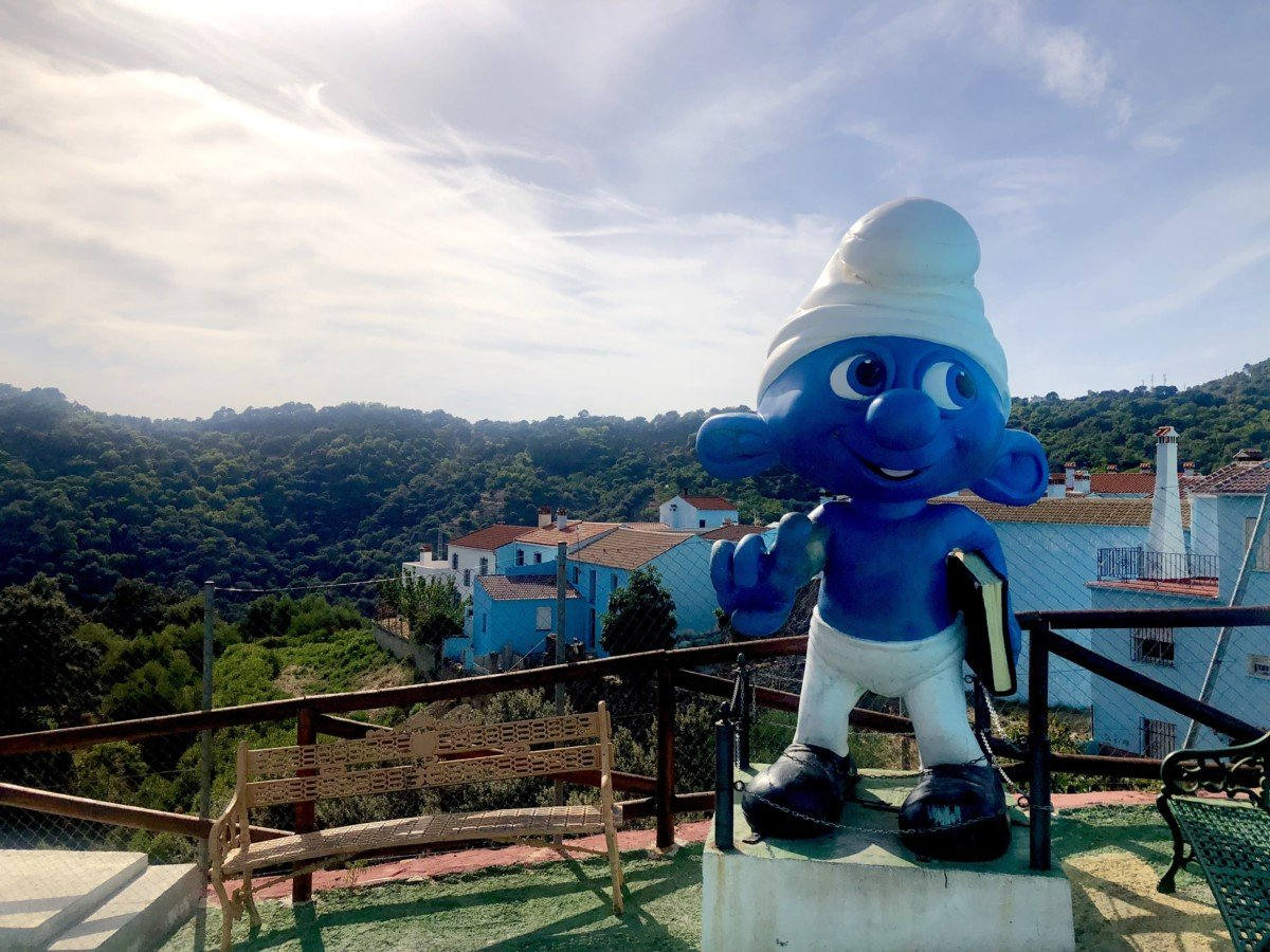 Júzcar the smurf village Giant Smurf