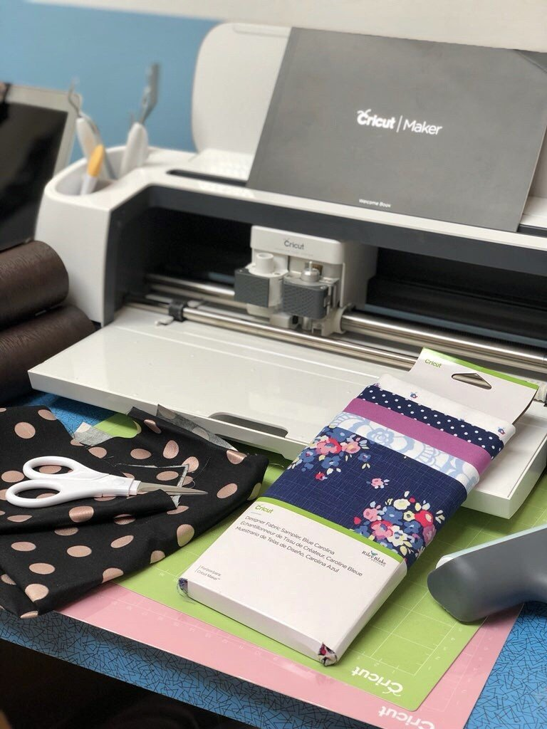 What can a Cricut cut? The Cricut can cut around 100 different marierials including Vinyl, Card, fabric, foam, cork, felt, oil cloth, tissue paper, and even leather. It can cut almost anything up to 2.7mm in thickness.