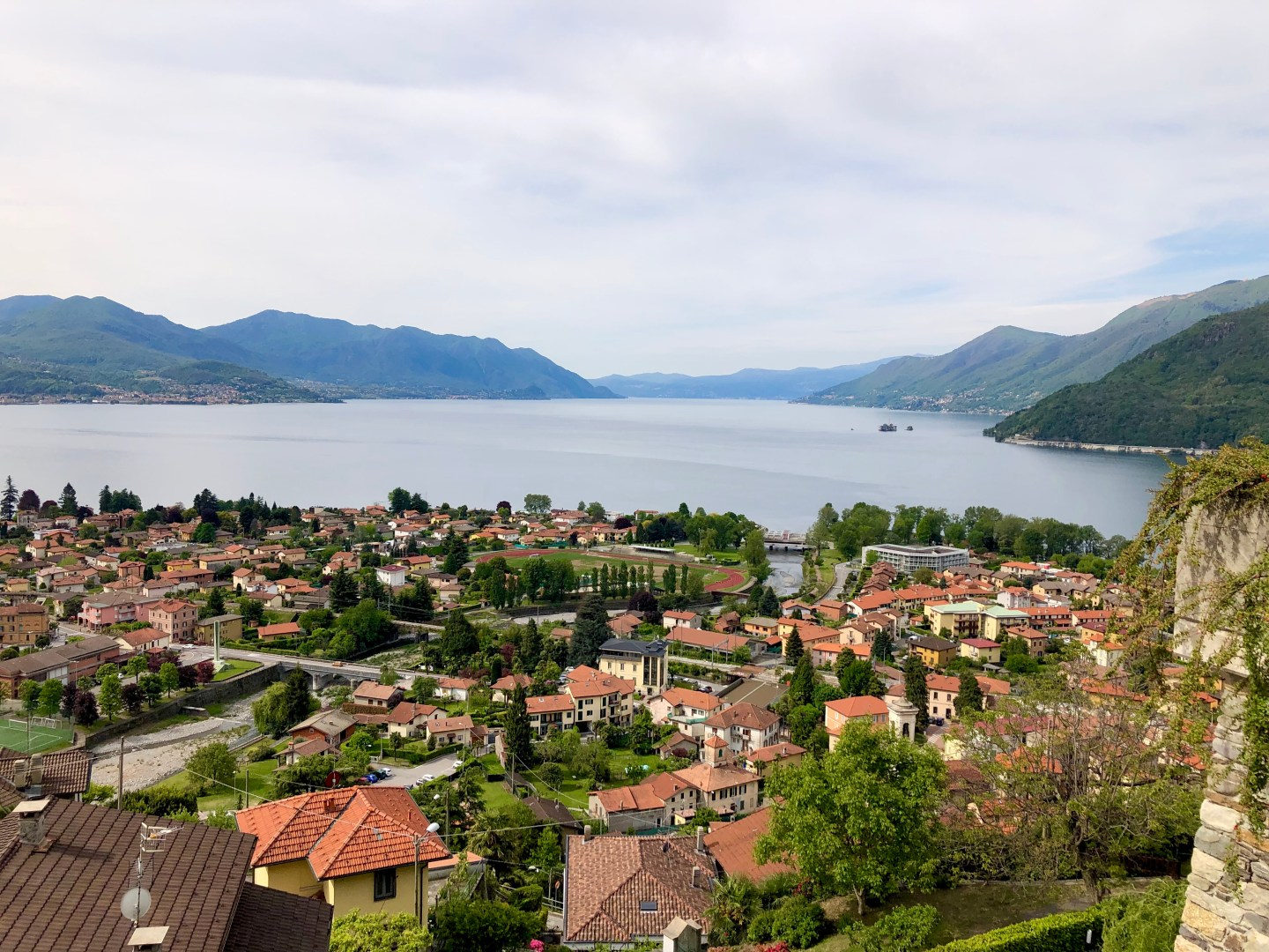 Maccagno town in Lake maggiore. Itsposition on thebank of the river isremarkable if youstand on the shore of Maccagno you can see across the shore to thebeautiful town of Cannibio and furtherdown the down in toSwitzerland and the town of Brissano.