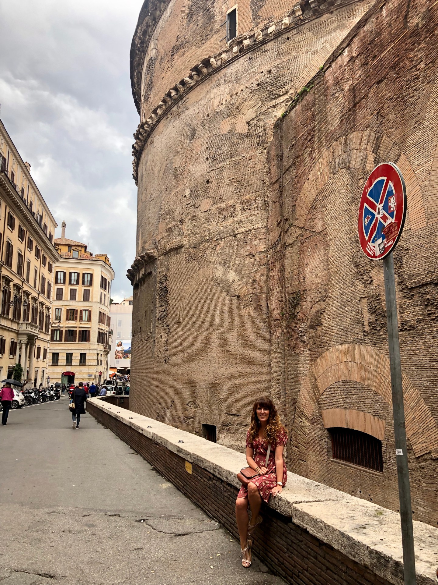We approached the back of the Pantheontowards our next stop for pasta. The back of the Pantheon is just as fabulous architecture as the front.