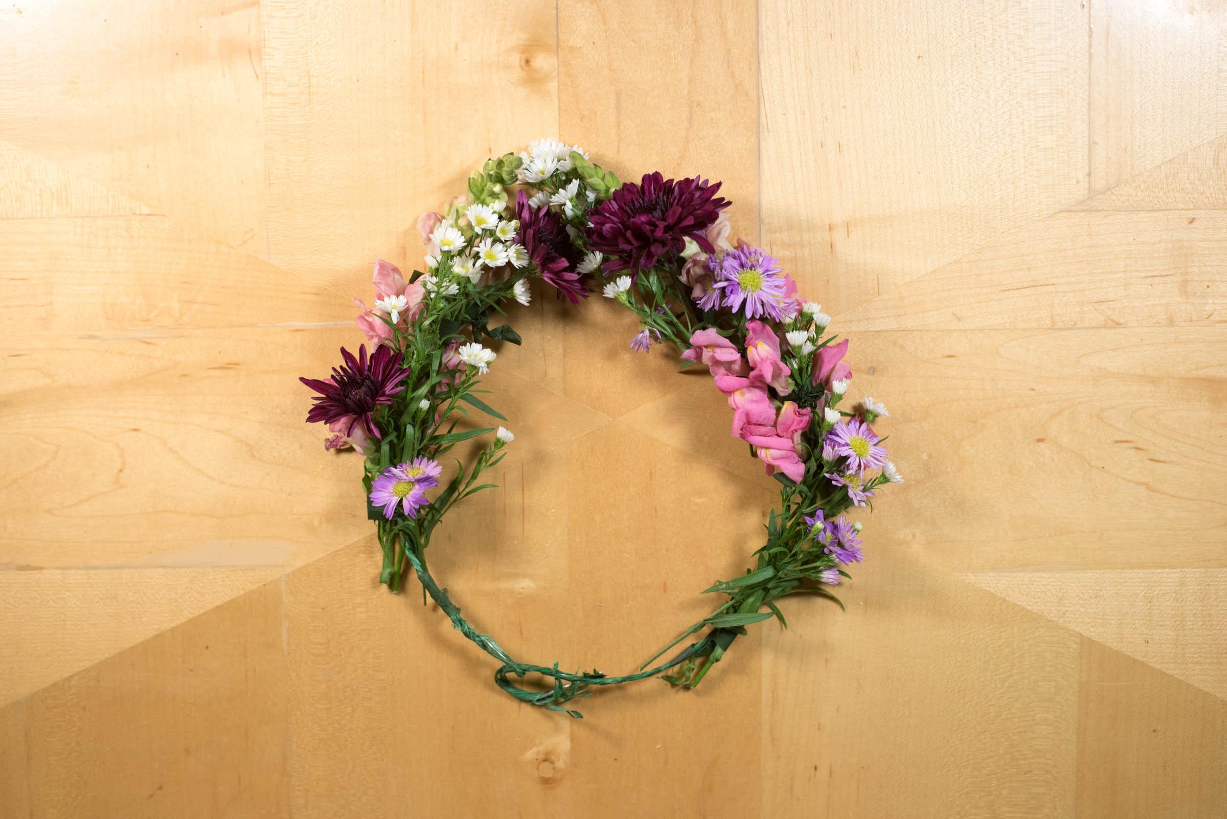 make flower crown