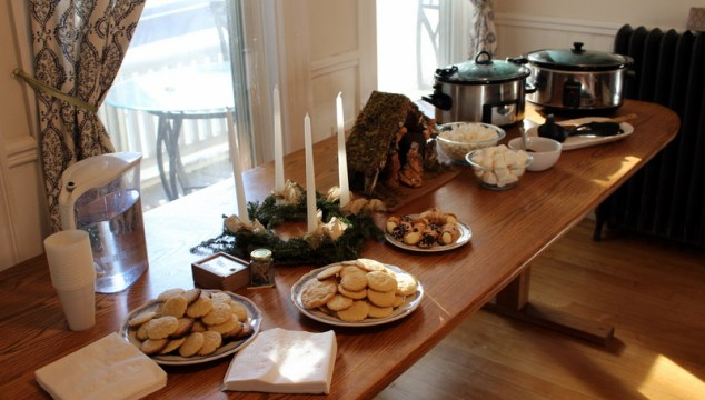 Modest Hospitality: A Hot Cocoa Party