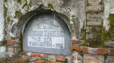 Another grave marker bearing E.P.D.