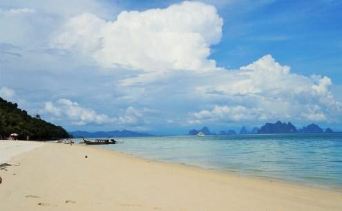 Praia em Lawa Island
