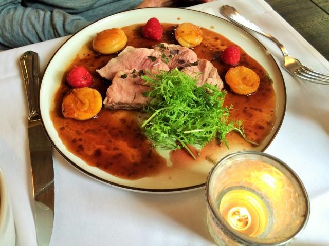 Onde comer em Bruges - pato com pêssego e molho de framboesa