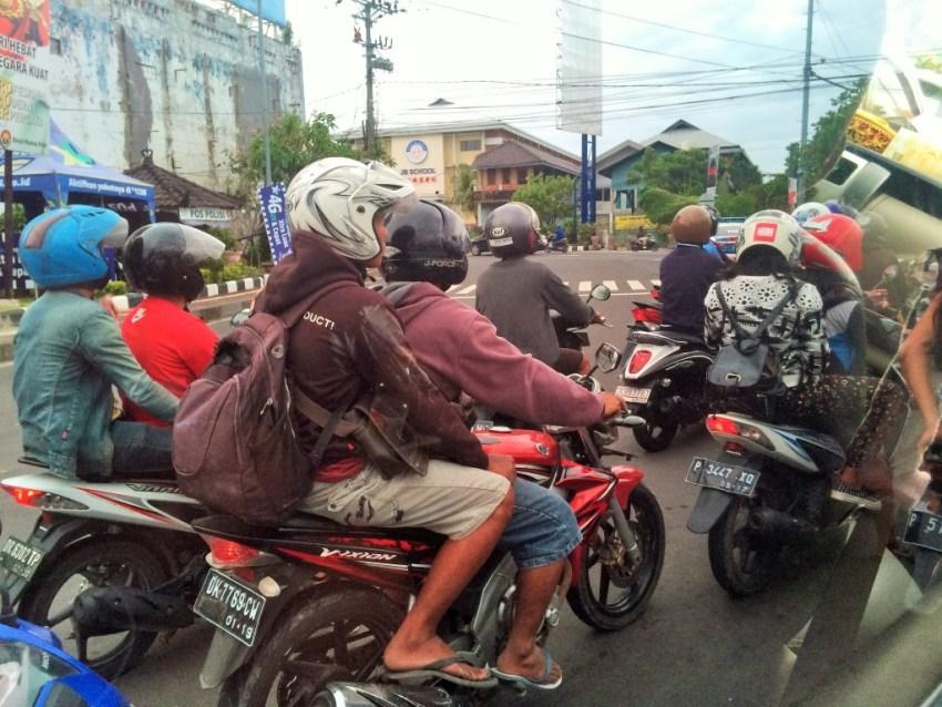 Como se locomover em Bali - trânsito