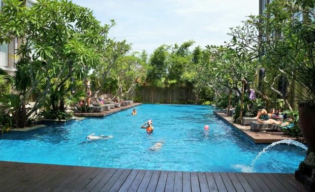 Onde ficar em Nusa Dua gastando pouco - piscina