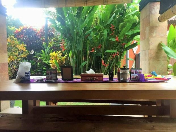 acomodação econômica em Bali - mesa comum