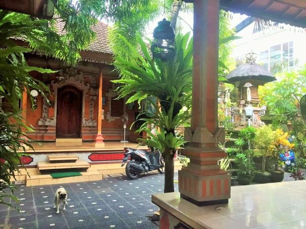 acomodação econômica em Bali - área comum