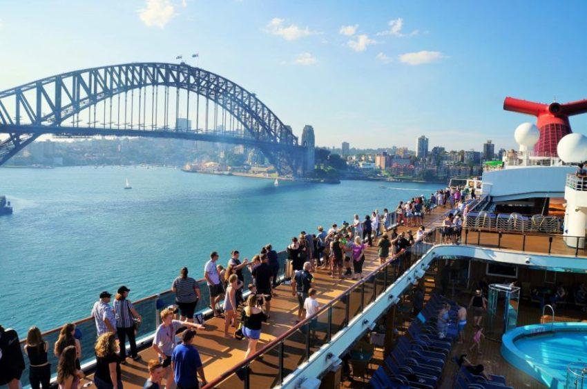 Cruzeiro barato saindo de Sydney - vista do navio