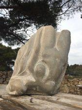 Alana Kajfež, ''Duboko u plavoj laguni'', kamen