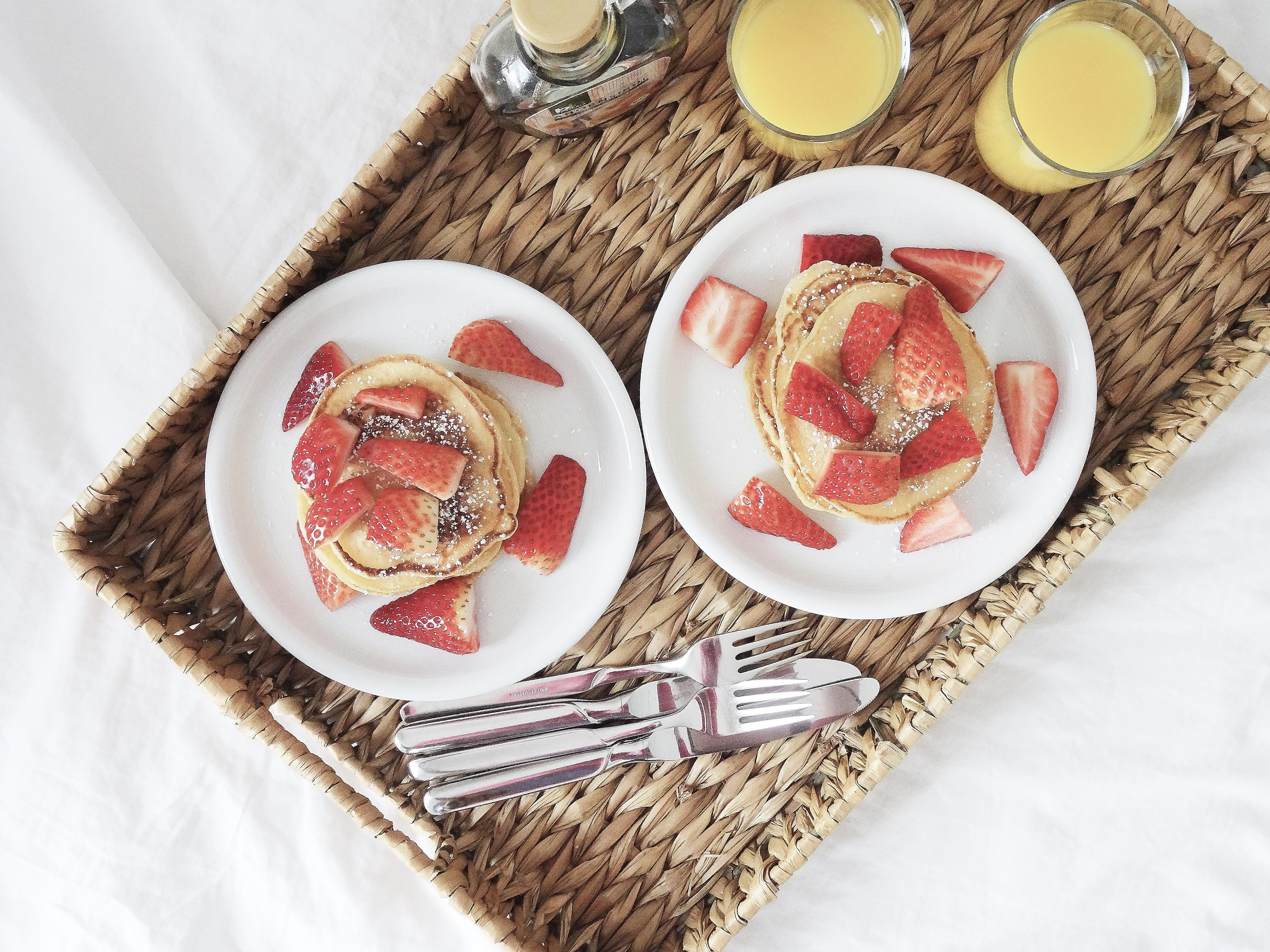 REZEPT: einfache Pancakes mit Erdbeeren