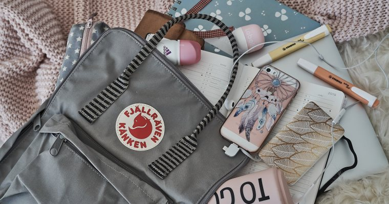 What's in my bag? Uni Edition