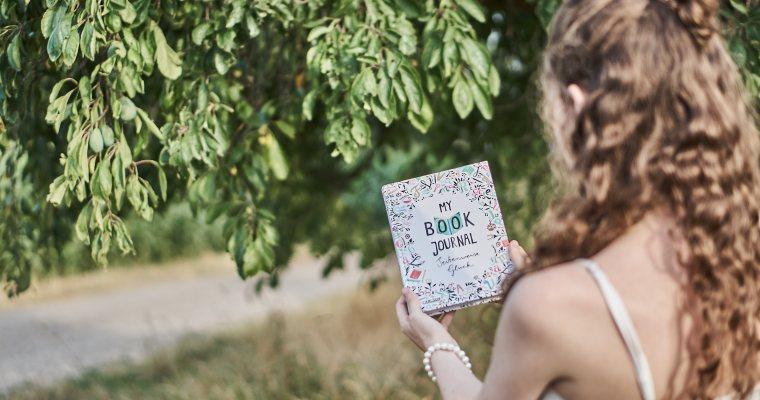 Lese MUST HAVES: 5 Dinge, die jeder Bücherwurm benötigt