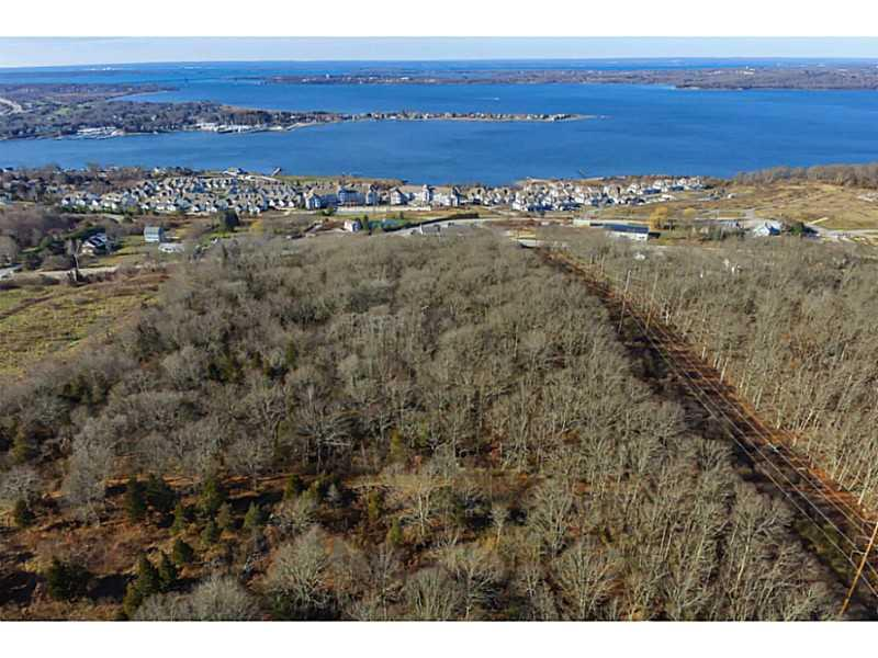 Additional photo for property listing at 1000 MAIN RD , Tiverton, Rhode Island  Tiverton, Rhode Island,02878 Vereinigte Staaten