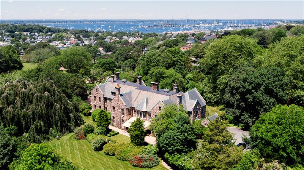 Otro por un Venta en 459 Bellevue AV, Newport, Rhode Island Newport, Rhode Island,02840 Estados Unidos