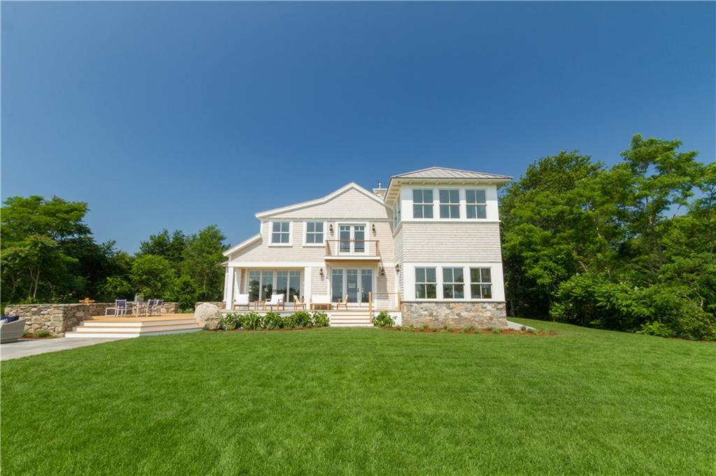 238 East Shore Road, Jamestown