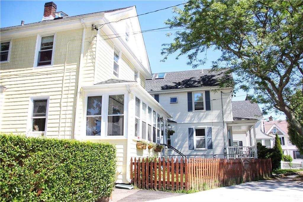 21 Carroll Avenue, Newport