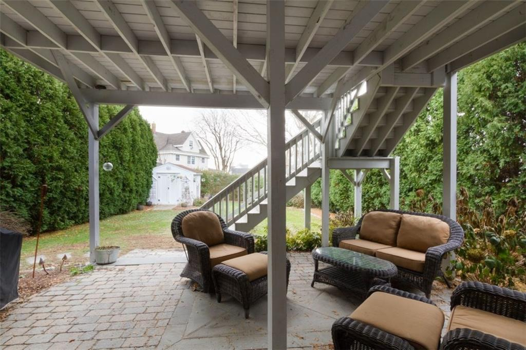 77 Briarwood Avenue, Middletown