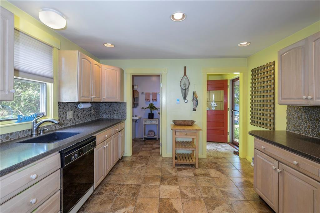 72 - 75,77 Wheatfield Cove Road, Narragansett