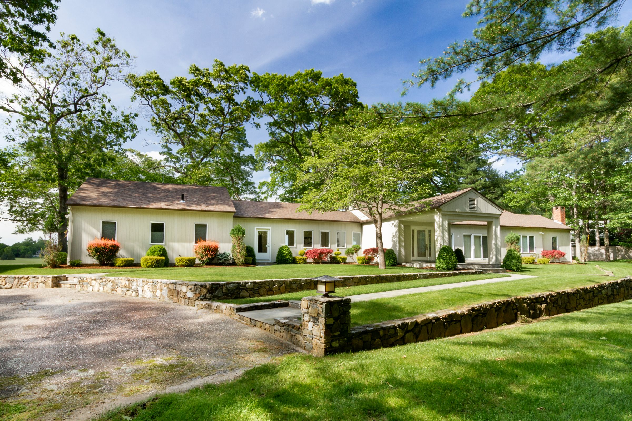 House Of The Week: A North Kingstown Contemporary In A Private Setting