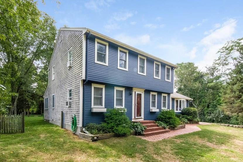 1342 Gilbert Stuart Road, North Kingstown