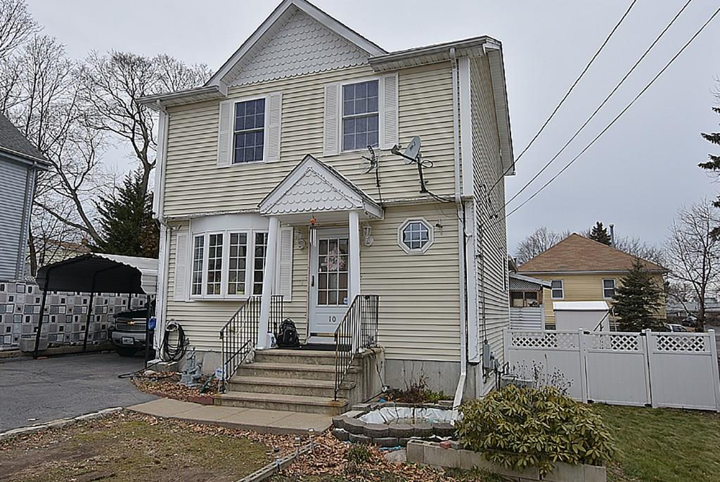 10 Lyman Avenue, Johnston