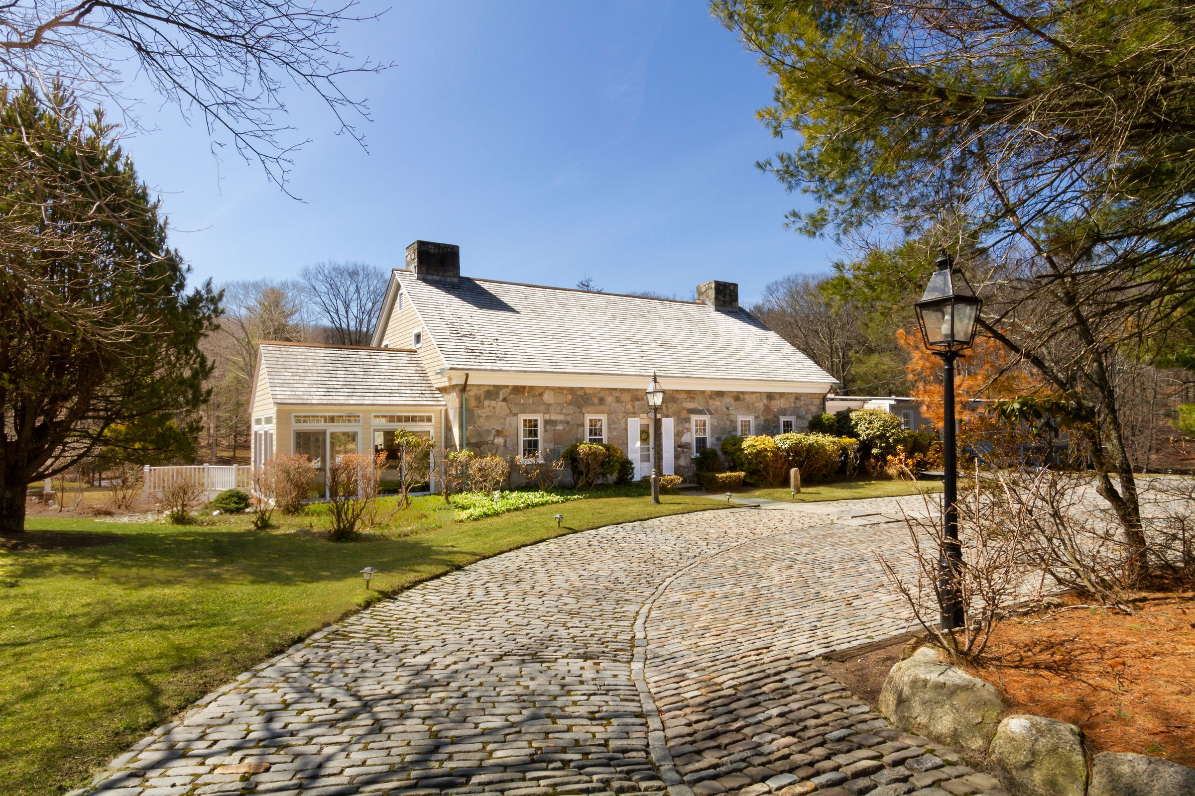 HOUSE LUST: THE MOST EXPENSIVE PROPERTIES IN BLACKSTONE VALLEY
