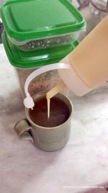serve with creamer/milk/sugar/sweetened milk