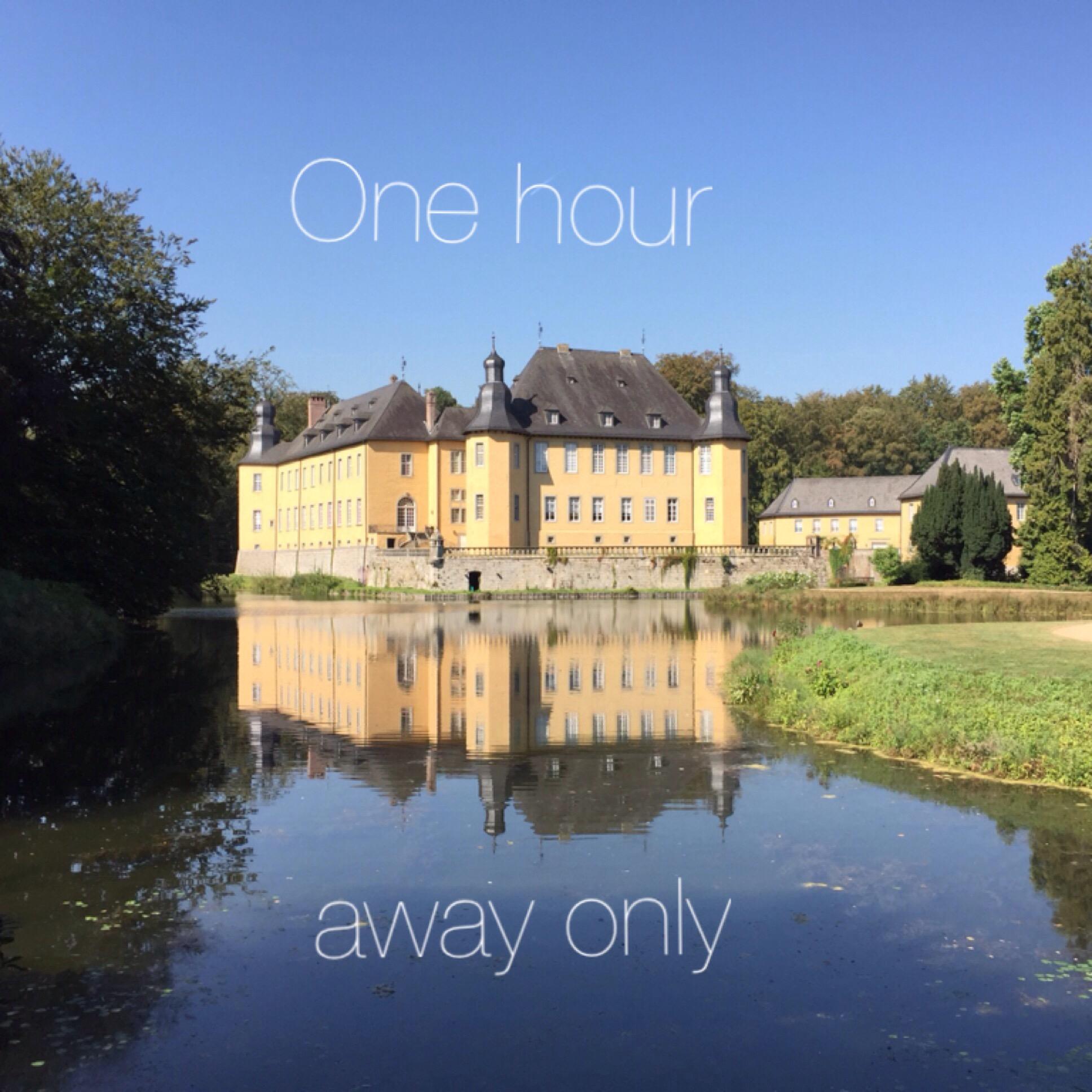 One Hour away only – oder – Sommer und Herbst im Schloß Dyk