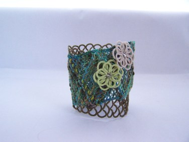Tatting and bobbin lace bracelet