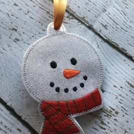 ITH – Snowman Scarf Ornament 4×4 and 5×7 Grouped