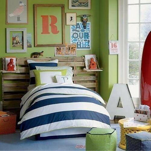 tete de lit enfant en palettes lila