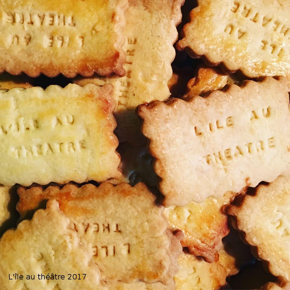Les biscuits de L'île au théâtre