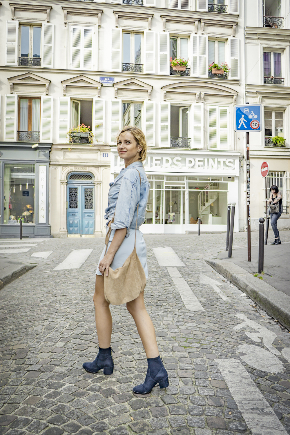 blue-dress-mini-denim-mango-shirt-hm-shoes-navy-boots-ootd-lookbook-look-outfit-blonde-bloger-tumblr-girl-paris
