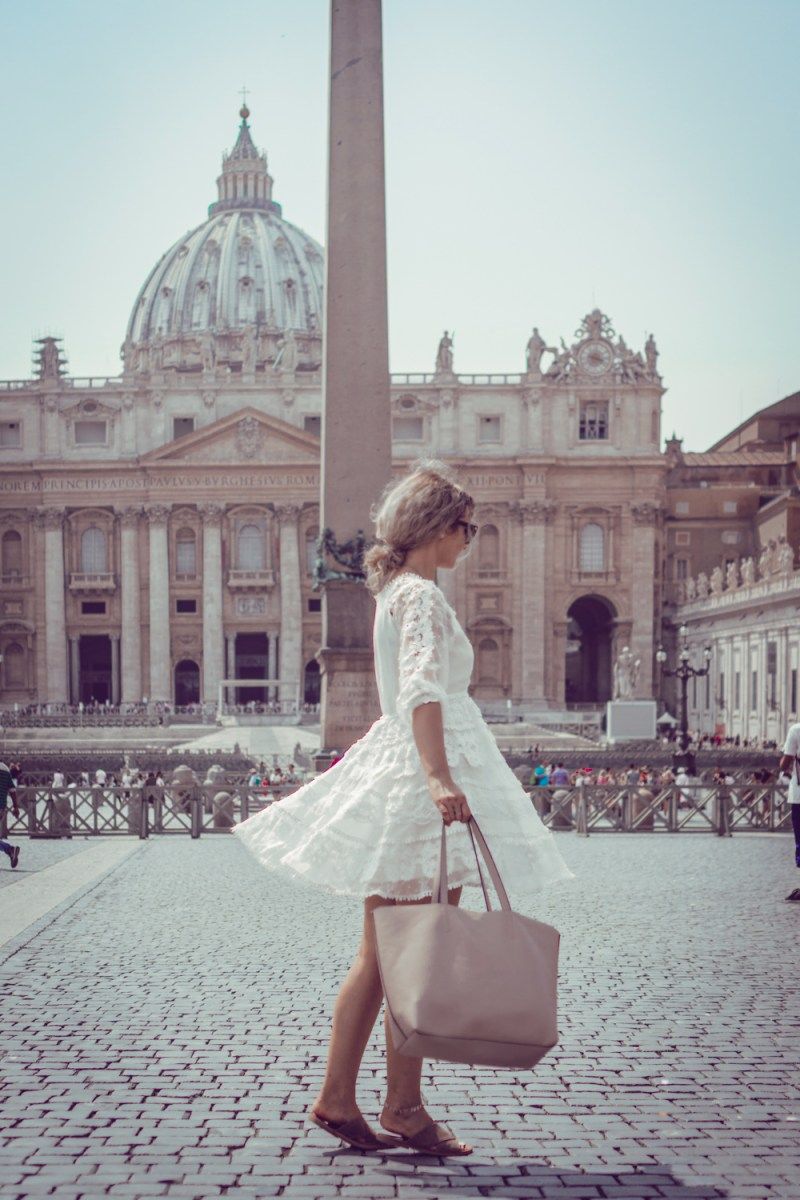 Travel: ROME Street Style #1. White dress.