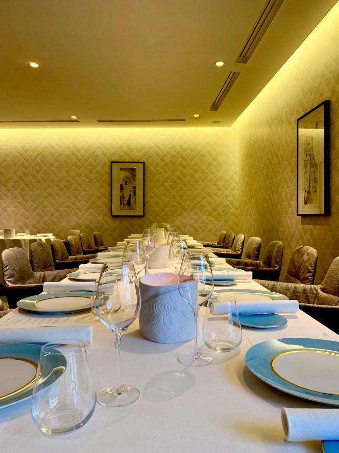superbe table dressée vaisselle bleue