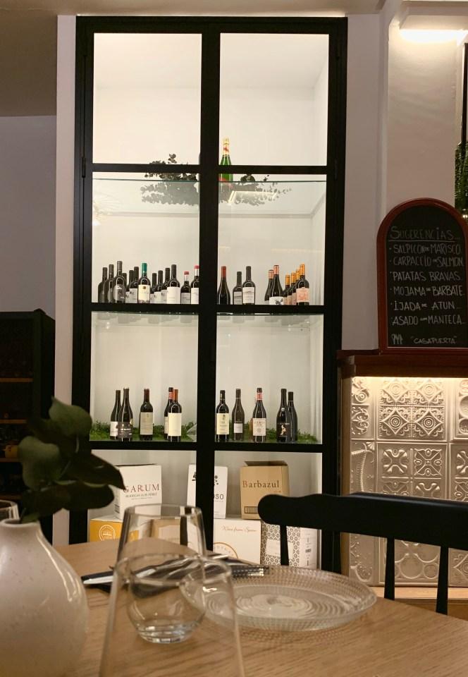 cave vitrée intérieure vin
