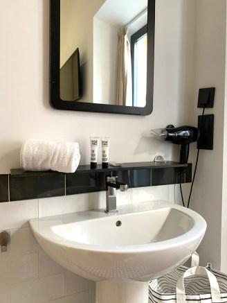 salle d'eau For You Hostel