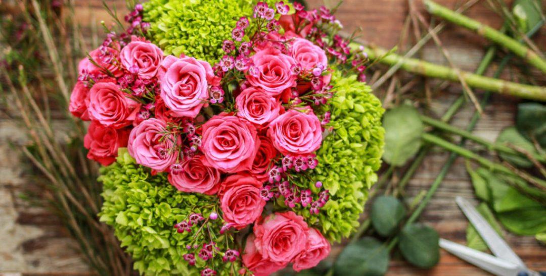 flower arrangement galentine's day